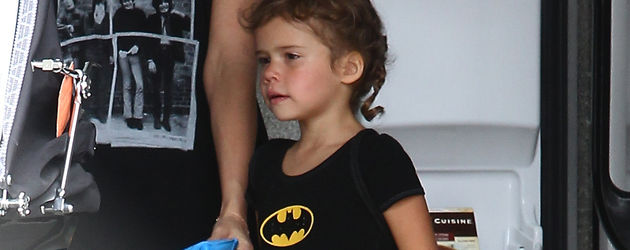 Honor Marie als kleines Batgirl