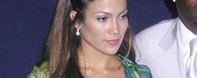 Jennifer Lopez im Bauchnabel-Versace-Kleid