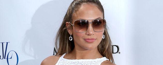 Jennifer Lopez in weißen Shorts