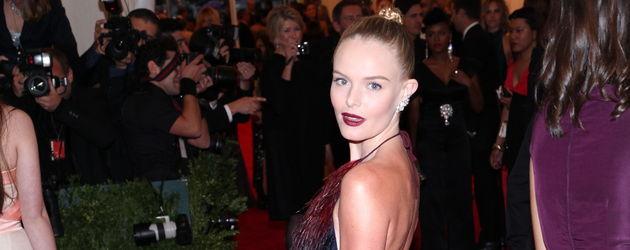 Kate Bosworth mit braunem Rücken