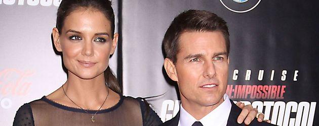 Katie Holmes und Tom Cruise posieren recht steif