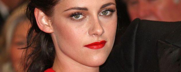 Kristen Stewart mit Mega-Dekolleté