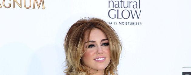 Miley Cyrus bez stanika