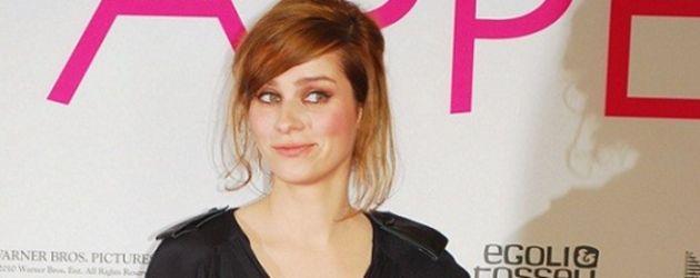 Nora Tschirner mit rötlichen Haaren
