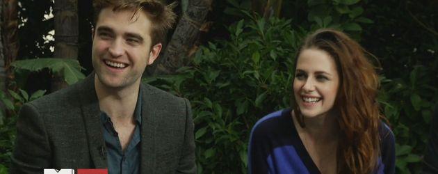 Robert Pattinson & Kristen Stewart lachen zusammen