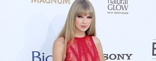 Taylor Swift ganz in Rot