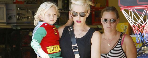 Zuma Rossdale auf dem Arm von Mama Gwen
