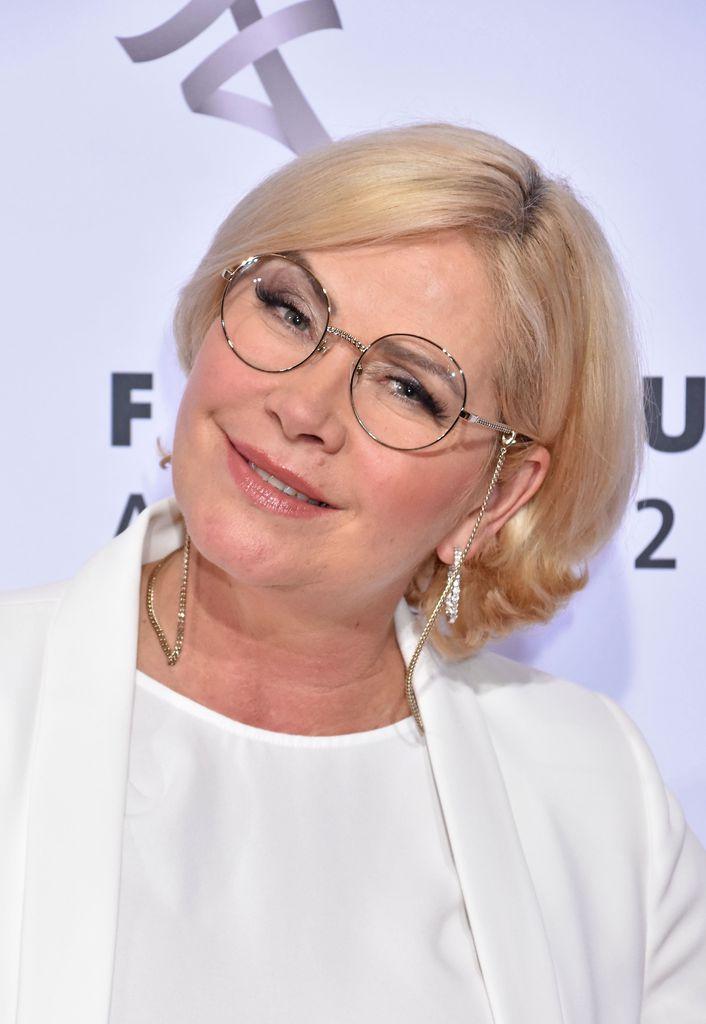 Lange Haare Claudia Effenberg Zeigt Neuen Look Promiflash De