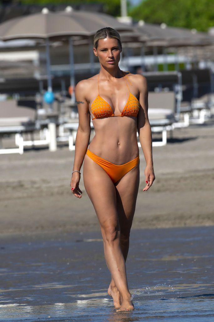 Strand am hunziker nackt Michelle Hunziker: