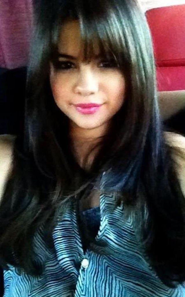 Wie Gefällt Euch Selena Gomez Neue Pony Frisur Promiflashde