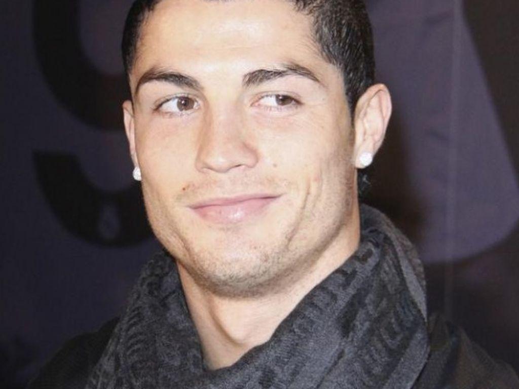 Cristiano Ronaldo mit Schwanz raus