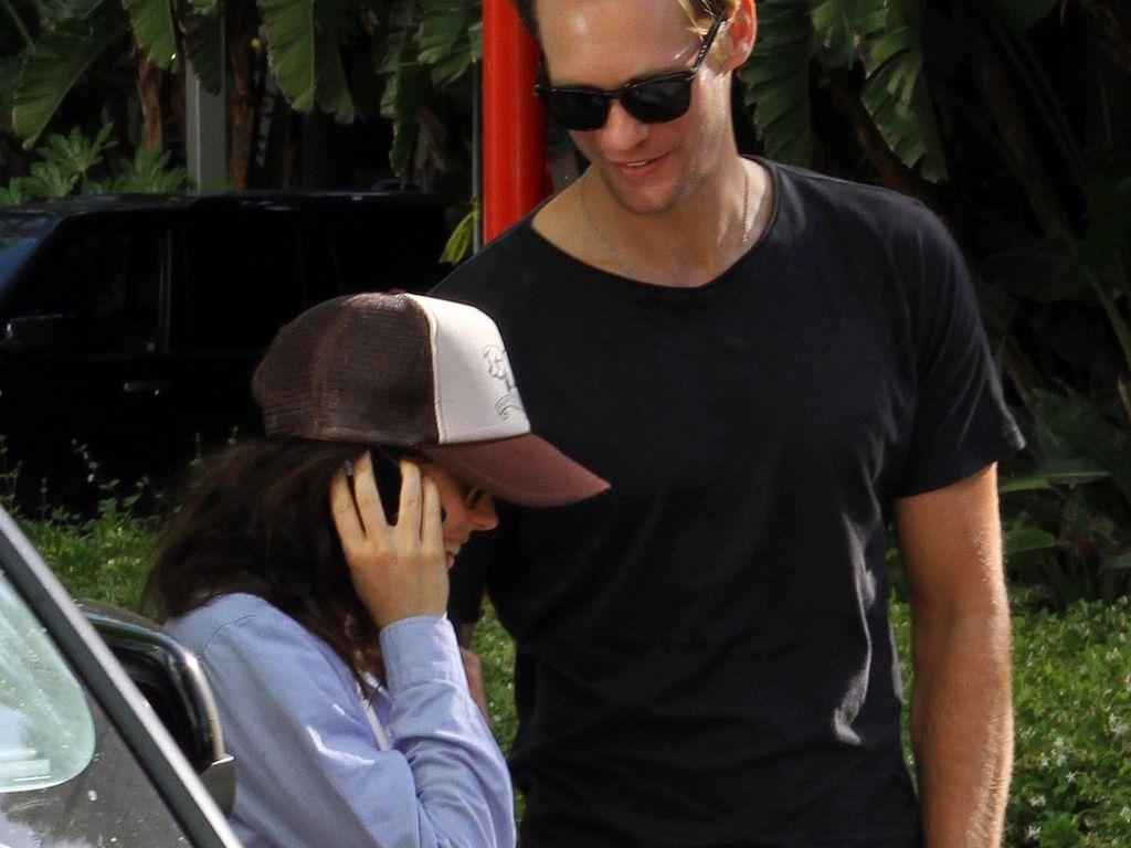 Ellen Page und Alexander Skarsgard