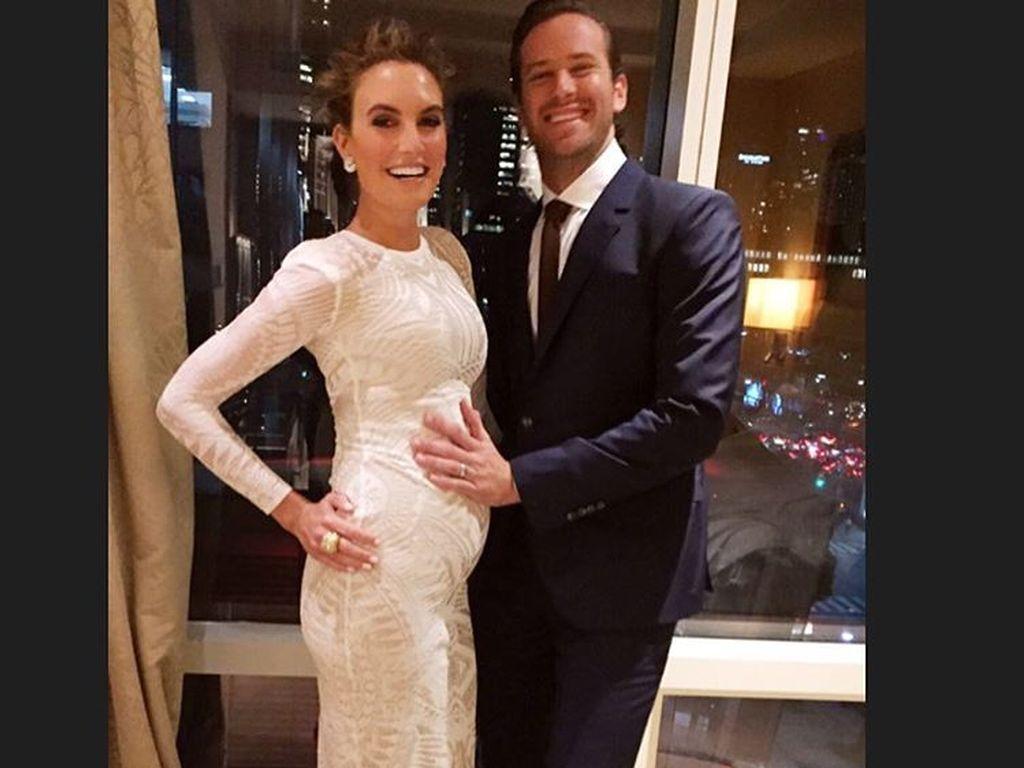 Arrmie Hammer und seine schwangere Elizabeth Chambers
