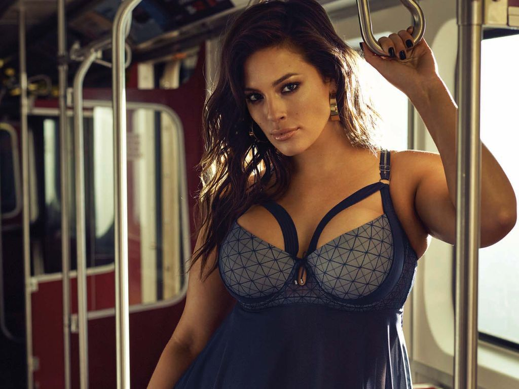 "Ashley Graham bei einem Shooting für die ""Addition Elle"""