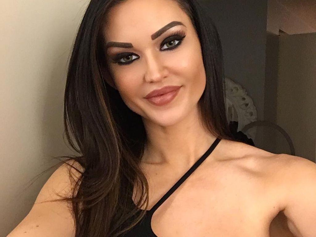 Ashley Youdan, auch bekannt als Kendall Karson