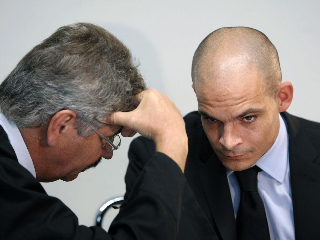 Ben Tewaag mit seinem Anwalt