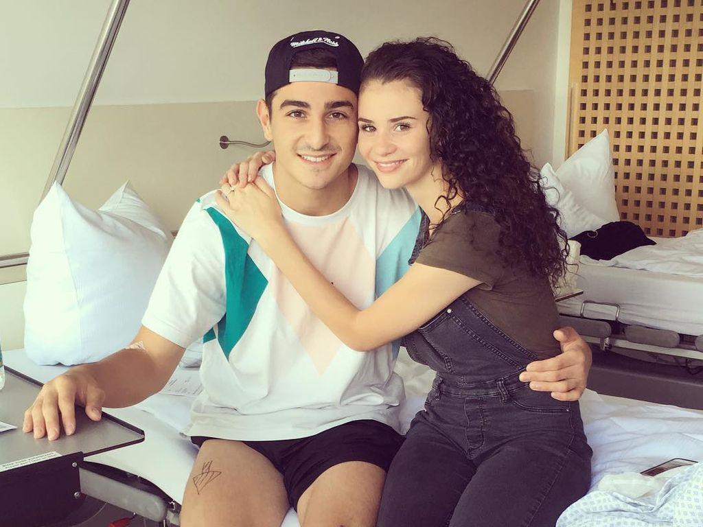 Model Betty Taube und ihr Freund Fußball-Profi Koray Günter im Krankenhaus