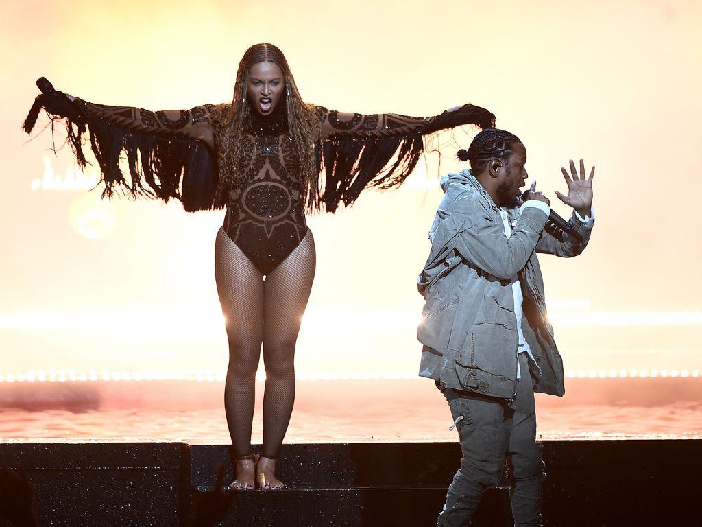 Beyoncé und Kendrick Lamar bei ihrer Eröffnungsauftritt der BET Awards 2016