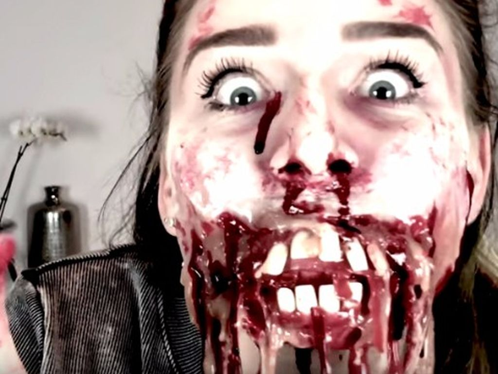 Bibi Heinicke und Dagi Bee mit Halloween-Make-up