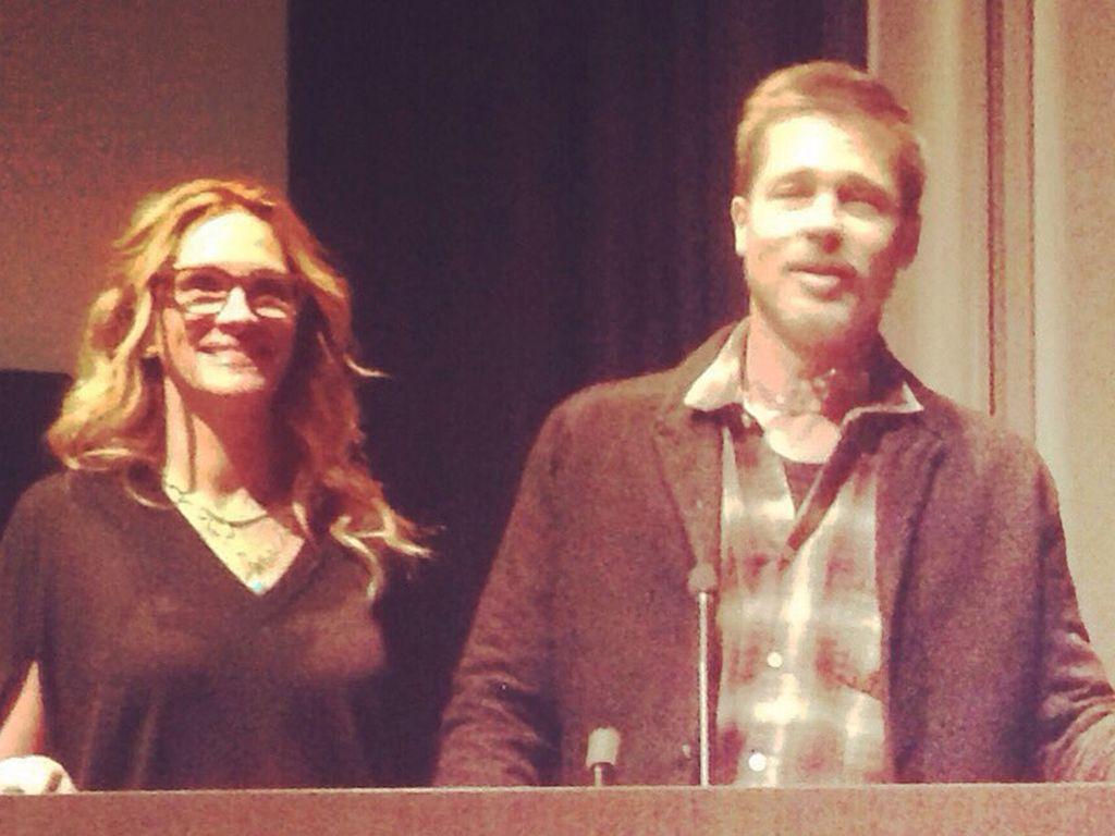 """Brad Pitt und Julia Roberts auf einem Screening von """"Moonlight"""""""