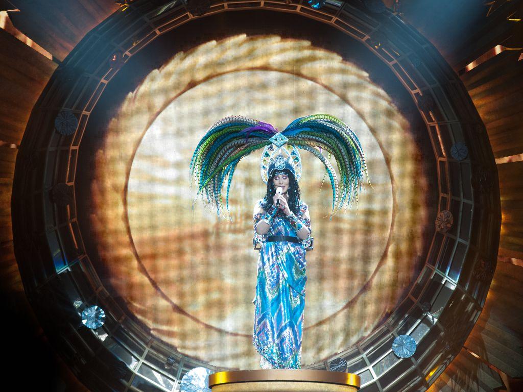 """Cher während ihrer """"Dressed To Kill""""-Show 2014"""