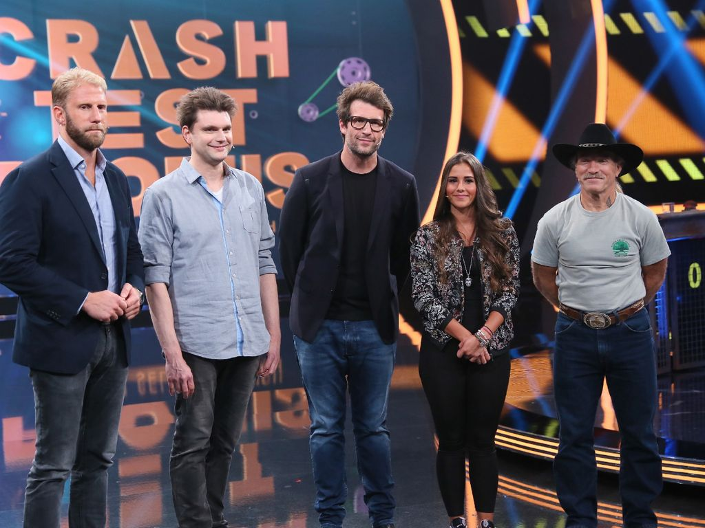 Christopher Posch, Lutz van der Horst, Moderator Daniel Hartwich, Sarah Lombardi und Konny Reimann
