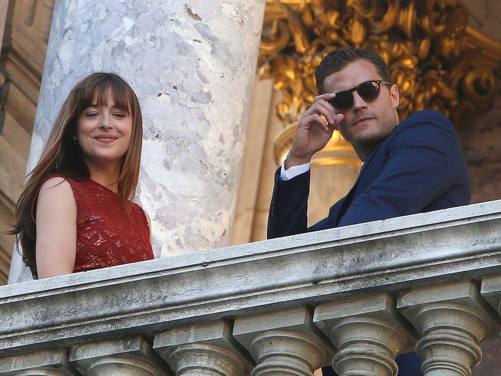 """Dakota Johnson und Jamie Dornan beim """"Fifty Shades Darker""""-Dreh in der """"Opera Garnier"""" in Paris"""