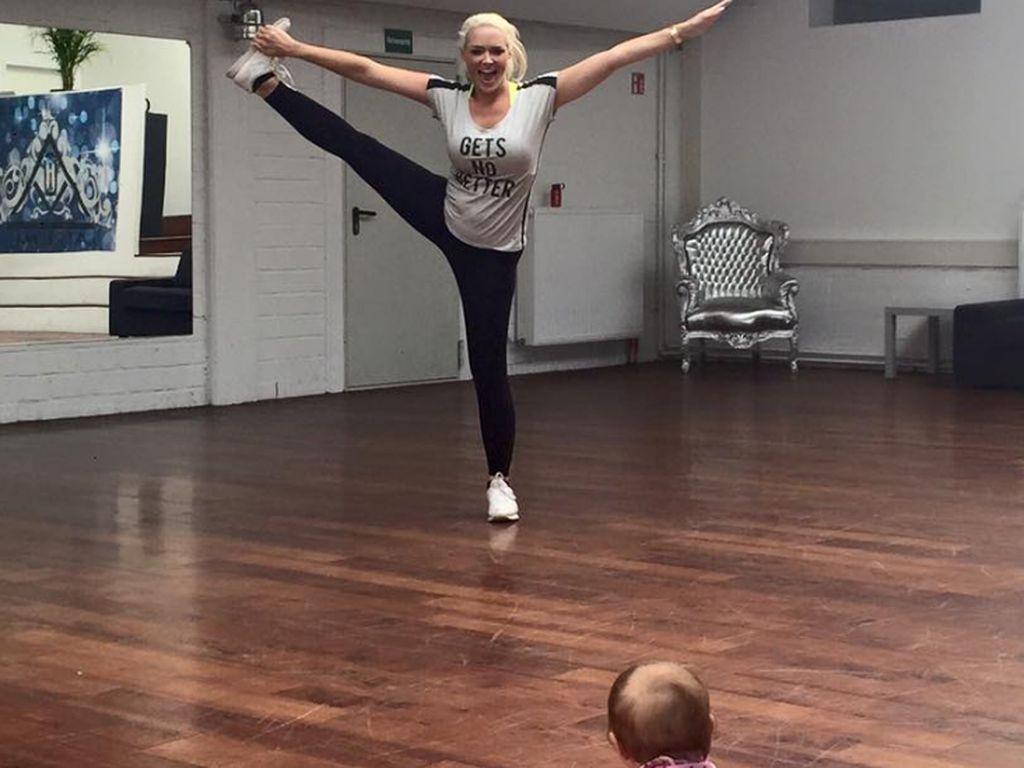 Daniela Katzenberger trainiert mit Tochter Sophia