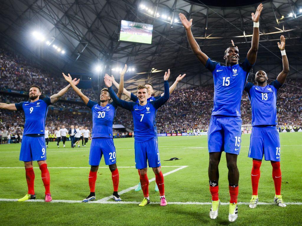 Die französische Nationalelf nach dem Halbfinale gegen Deutschland