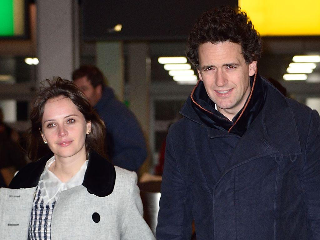 Felicity Jones und Charles Guard am Flughafen in New York