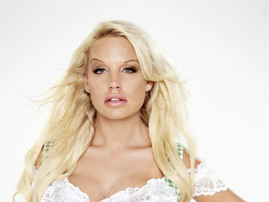 Gina-Lisas: Botox, Silikon-Brüste und Intim-Piercing