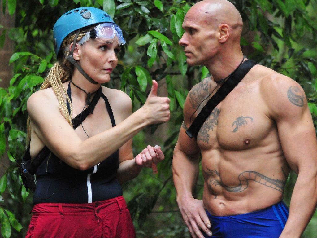 Helena Fürst und Thorsten Legat bei einer Dschungelcamp-Prüfung