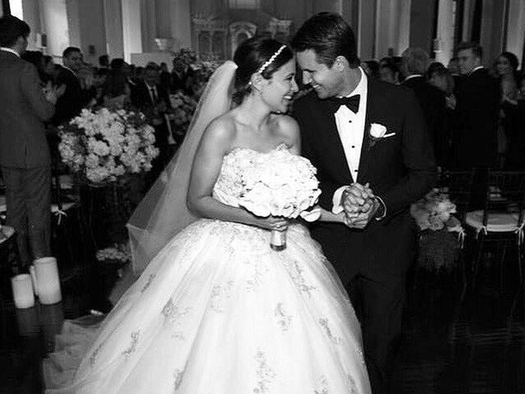 Hochzeitsfoto von Italia Ricci und Robbie Amell
