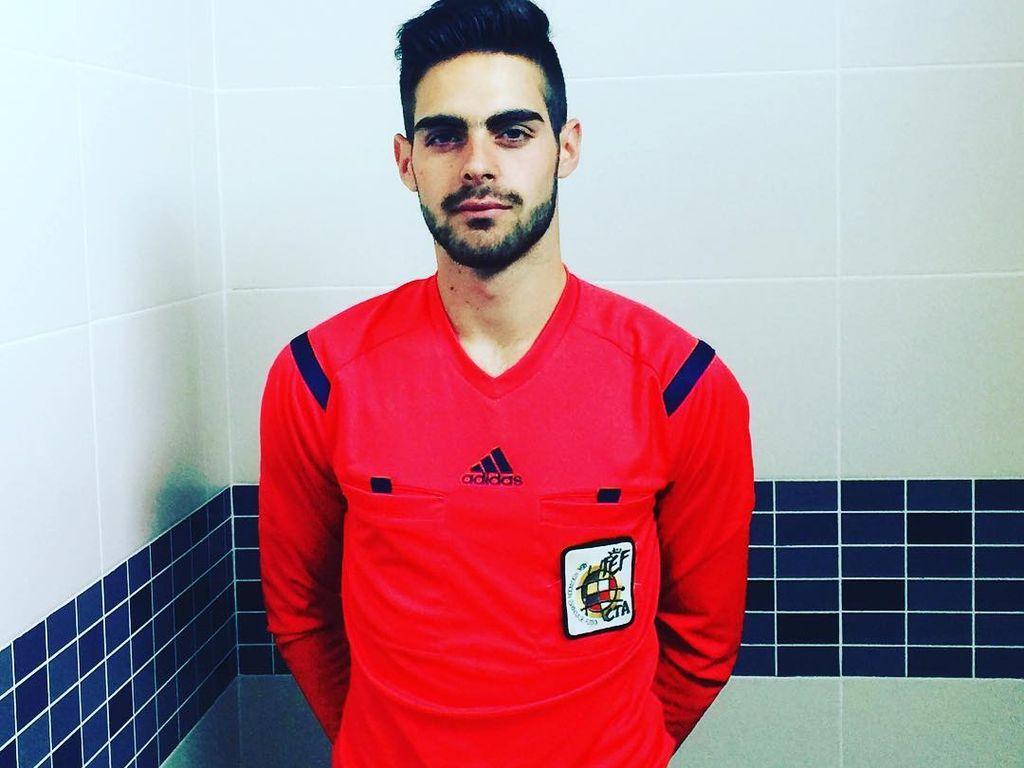 Jesús Tomillero, Schiedsrichter