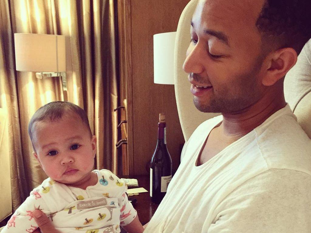 John Legend mit seiner Tochter Luna