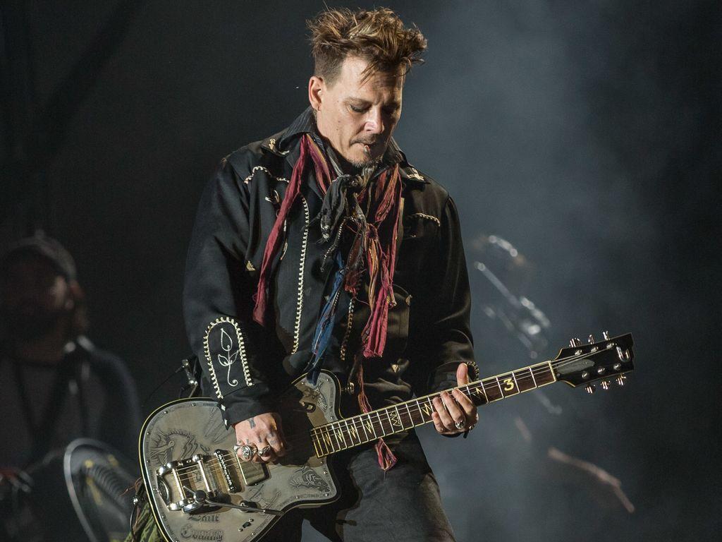 Johnny Depp bei einem Konzert in Lissabon
