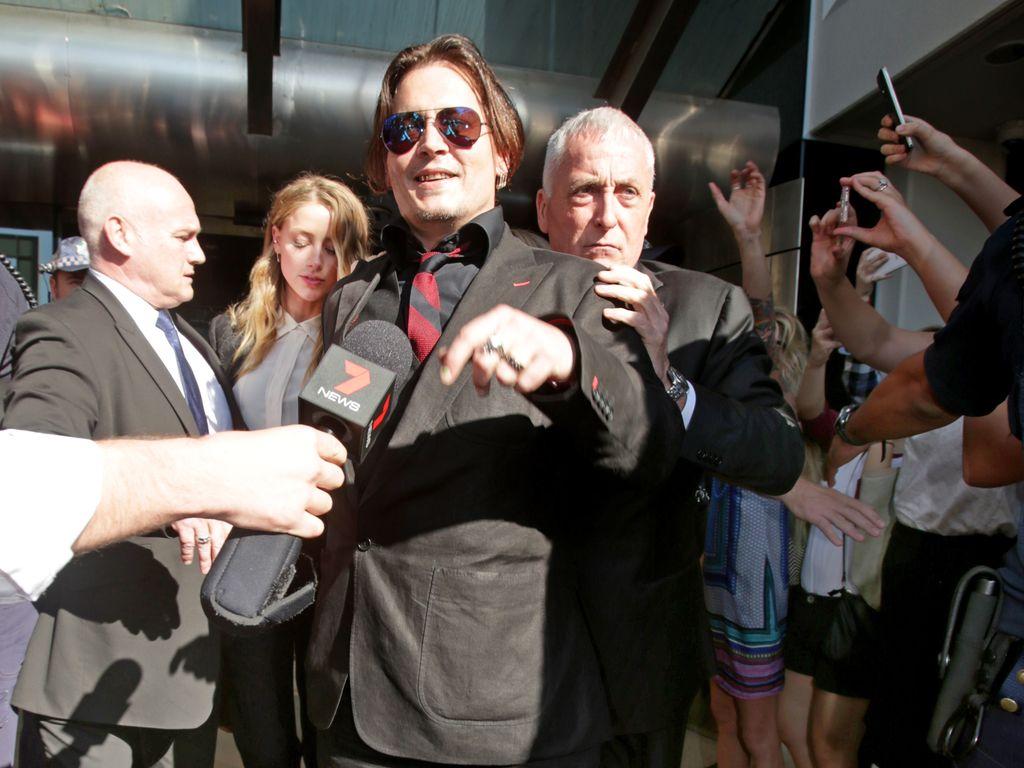 Johnny Depp und Amber Heard vor dem Southport Gericht