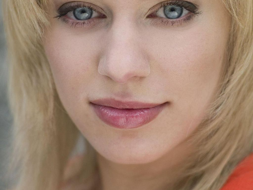 AWZ-Star Juliette Menke posiert nackt im Playboy