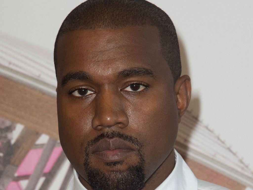 Kanye West bei einer Veranstaltung in Paris