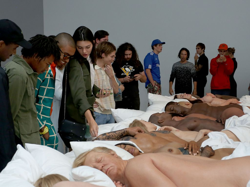 """Kanye Wests """"Famous""""-Privatausstellung"""