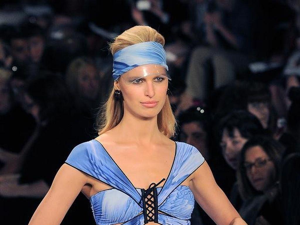 Sexy Badenixe: Karolina Kurkova zeigt ihre Kurven