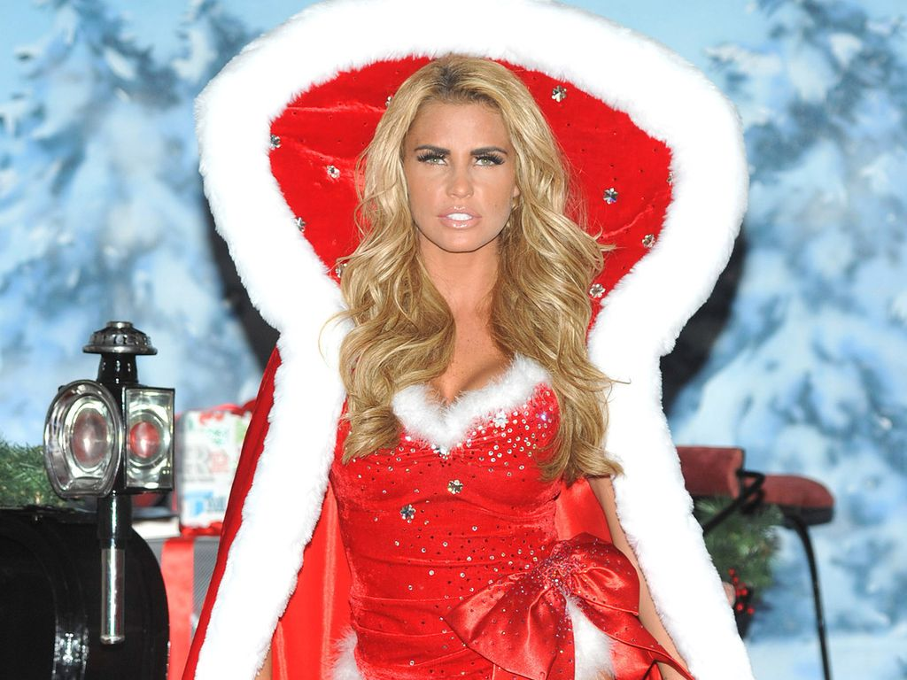 katie price so hei kann weihnachten sein. Black Bedroom Furniture Sets. Home Design Ideas