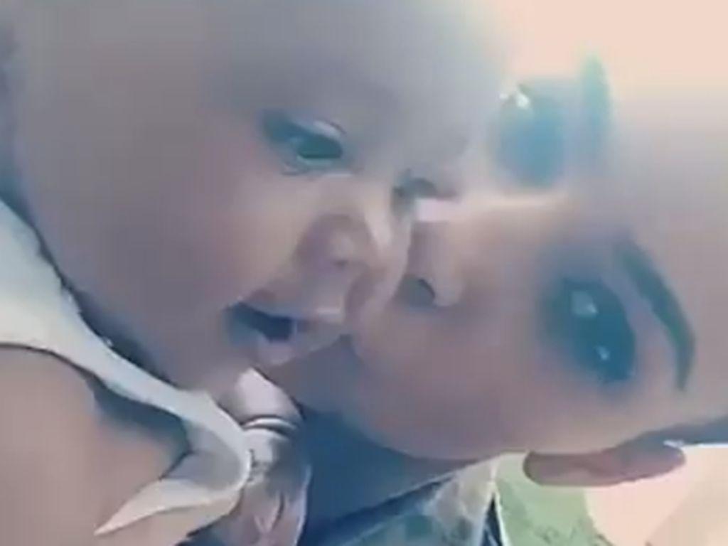 Kim Kardashian und ihr Sohn Saint West