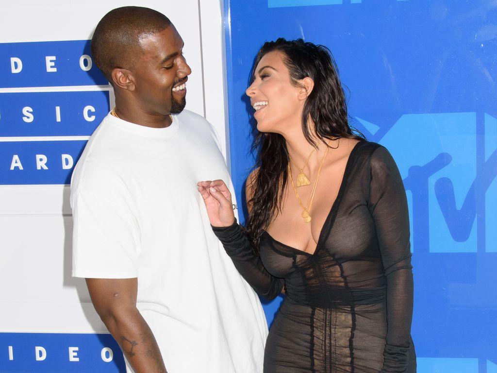 Kim Kardashian und Kanye West bei den VMAs 2016