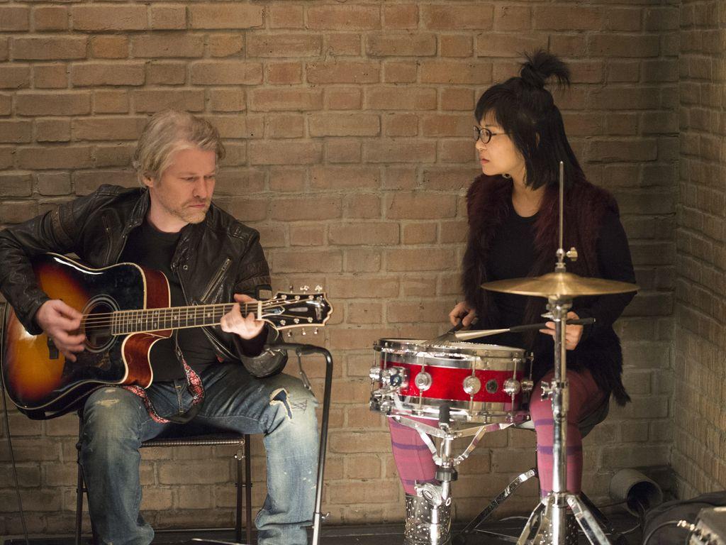 """Lane (Keiko Agena) und Zach (Todd Lowe) in """"Gilmore Girls"""""""