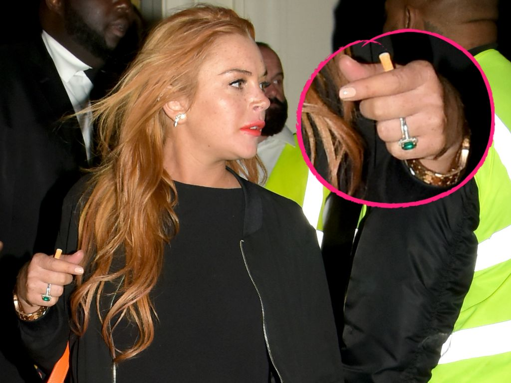 Lindsay Lohan mit Verlobungsring