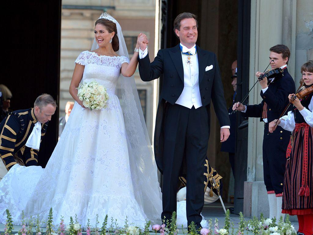 Valentino schwärmt von Madeleine & Hochzeitskleid  Promiflash.de