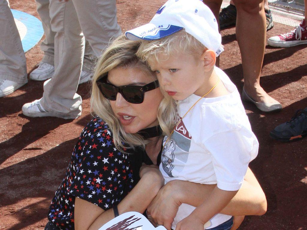 Popstar Fergie mit Söhnchen Axl