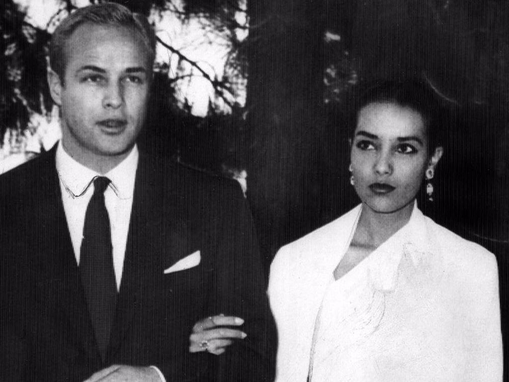 Marlon Brando und Anna Kashfi