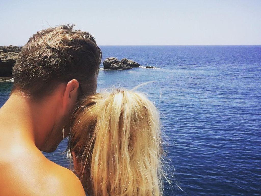 Marvin Albrecht und Anna Hofbauer am Meer